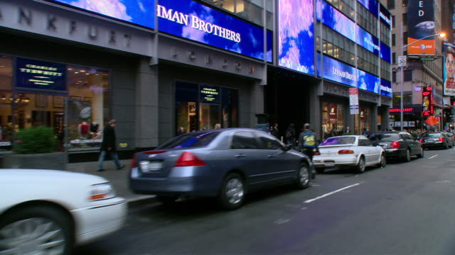 vidéos et rushes de ts / front driver 45' driving around midtown new york city on park avenue / new york - groupe moyen d'objets