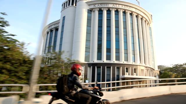 vídeos y material grabado en eventos de stock de pov driving down freeway/ jakarta/ indonesia - yakarta