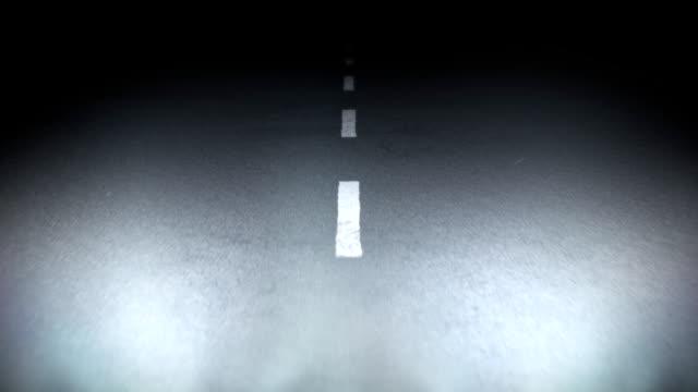 Fahren Sie auf der Nacht-Straße HD 1080