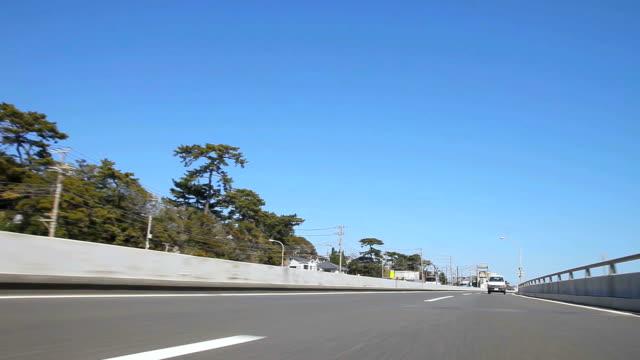 guida autostrada (time lapse), vista posteriore - plusphoto video stock e b–roll