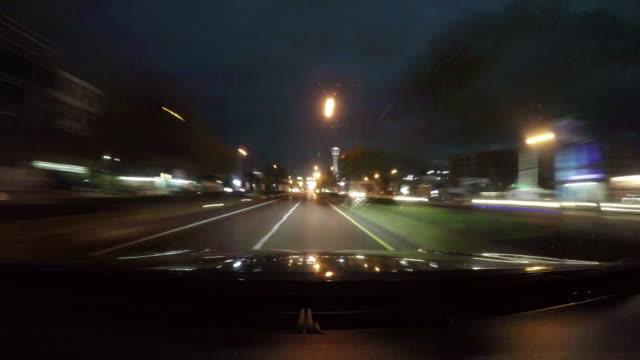Fahren in einer Stadt, Zeitraffer