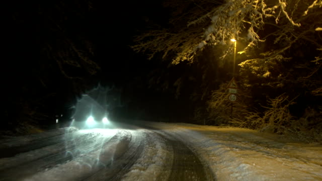 driving in snow - peter snow bildbanksvideor och videomaterial från bakom kulisserna