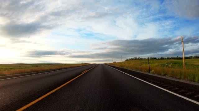 vidéos et rushes de conduire dans les badlands - parc national des badlands