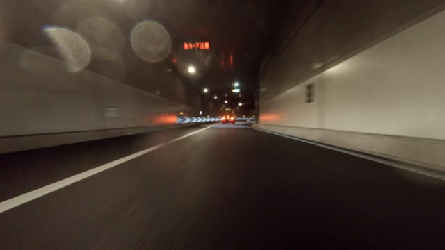 Driving in tunnel -4K-
