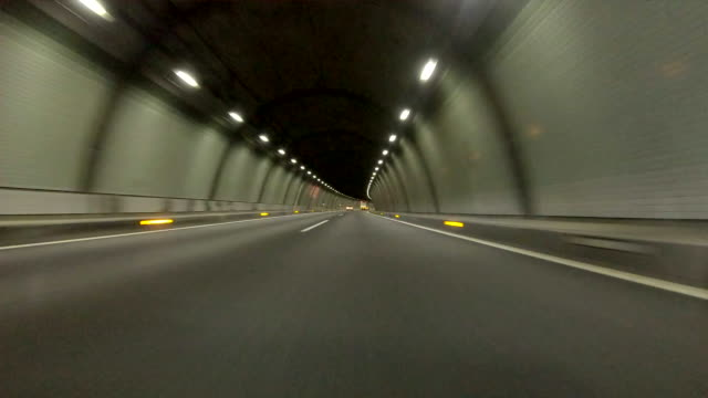 stockvideo's en b-roll-footage met rijden in tunnel - super lage hoek- - tunnel