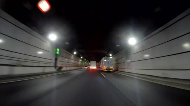 Rijden in tunnel