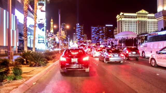 driving nevada, las vegas - the strip las vegas stock-videos und b-roll-filmmaterial