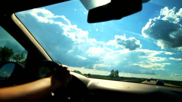 vidéos et rushes de conduire sur une autoroute. - accident de transport