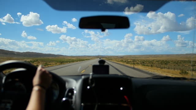driving on america highway - pov (point of view) shot - inquadratura da un'automobile video stock e b–roll