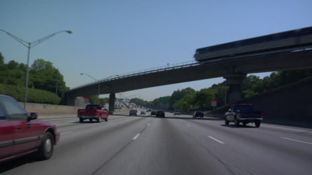 pov, driving on highway, atlanta, georgia, usa - バイパス点の映像素材/bロール