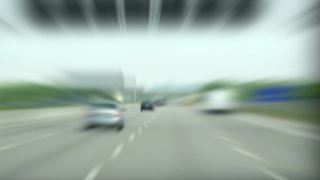 stockvideo's en b-roll-footage met driving on highway time lapse - geschwindigkeit