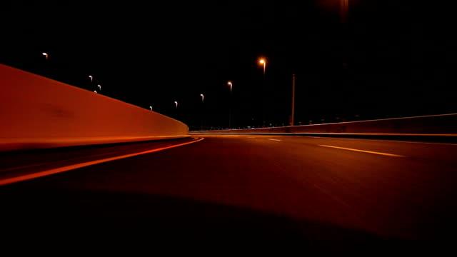stockvideo's en b-roll-footage met rijden op de snelweg 's nachts - achterzicht- - driverslag
