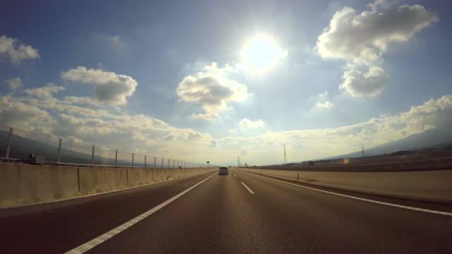 Fahren Sie auf der Autobahn der Sonne – 4 k