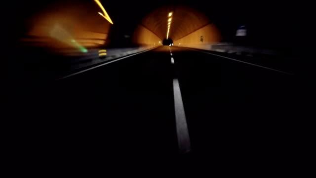 Fahren auf der Autobahn mit Onboard-Kamera