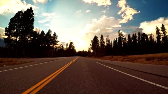 Fahren auf dem Flügelriss des großen Teton Nationalparks