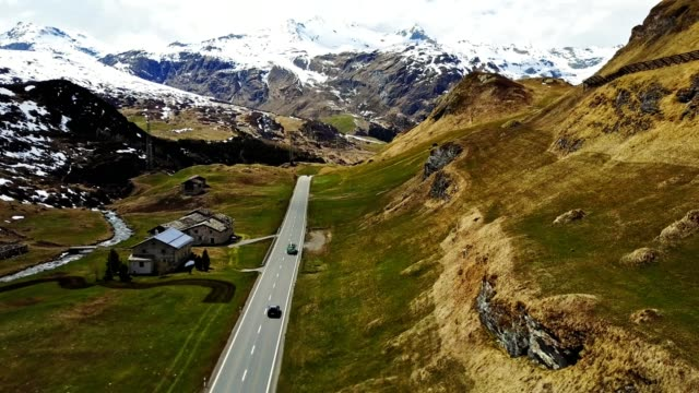 stockvideo's en b-roll-footage met rijden over de julier-pass - sneeuwkap