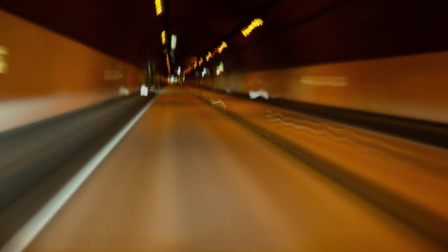 driving through a tunnel at night (pov time lapse) - 山梨県点の映像素材/bロール