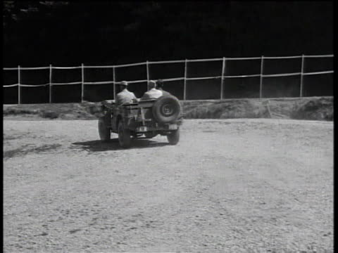 driving through camp - 死傷者点の映像素材/bロール