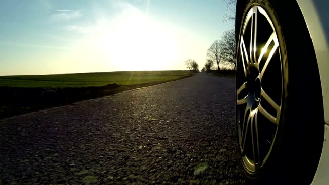 stockvideo's en b-roll-footage met driving through countryside - autoband