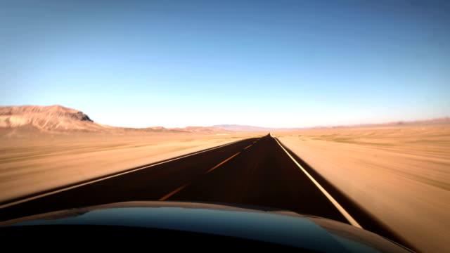 Fahren Sie durch die Wüste, USA