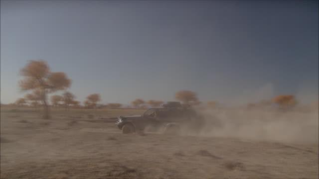 driving through the gobi desert - mongoliet bildbanksvideor och videomaterial från bakom kulisserna