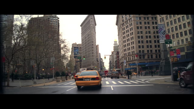 ms driving towards the flatiron building / new york city, new york, united states - letterbox format stock videos & royalty-free footage