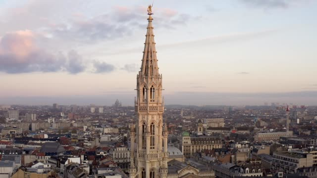 drone aerial viel of grand place brussels the city's town hall, and the king's house or breadhouse. aerial downtown house building city brussels belgium - gothic style stock videos & royalty-free footage