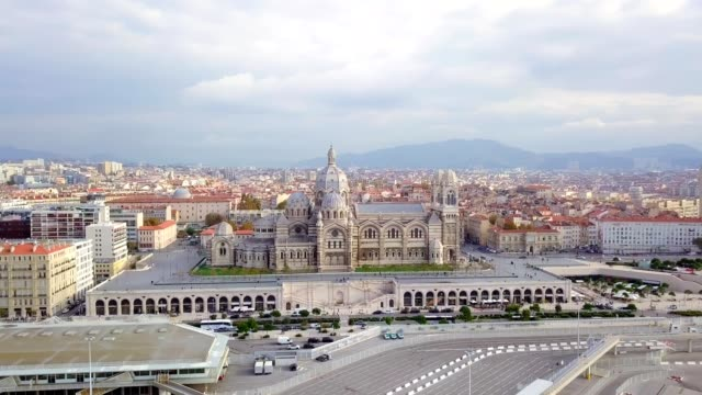 drone aerial view of cathedrale major The Major was built in neo-Byzantine style between 1852 and 1893 on the plans of the architect Léon Vaudoyer . Located in the district of Joliette