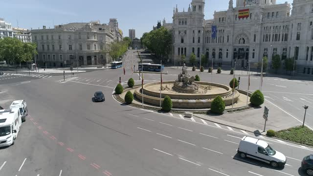 drone / aerial view of cibeles square on november 25, 2020 madrid, spain. cibeles square captured during the time of lockdown, due to covid-19... - neo classical stock videos & royalty-free footage