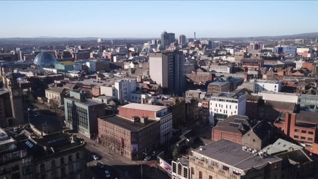 vídeos de stock e filmes b-roll de drone aerial views of belfast - belfast