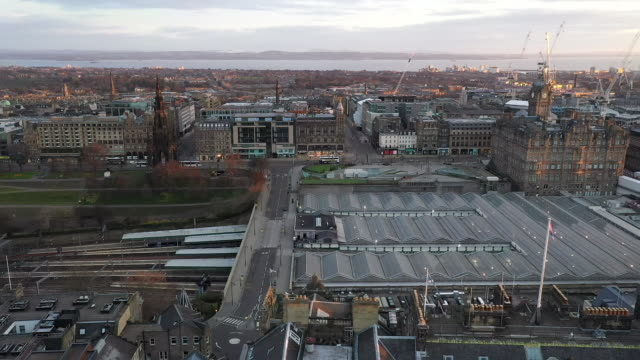 drone aerials of empty streets during the coronavirus lockdown on 20 april 2020 in edinburgh, scotland - edinburgh scotland stock videos & royalty-free footage