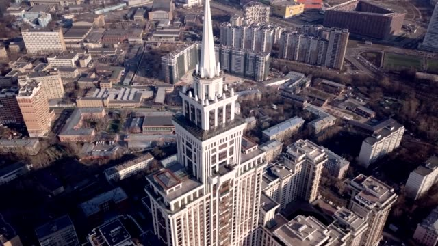 vidéos et rushes de a drone captures triumph palace, the largest apartment building in europe, in moscow russia - moscow russia