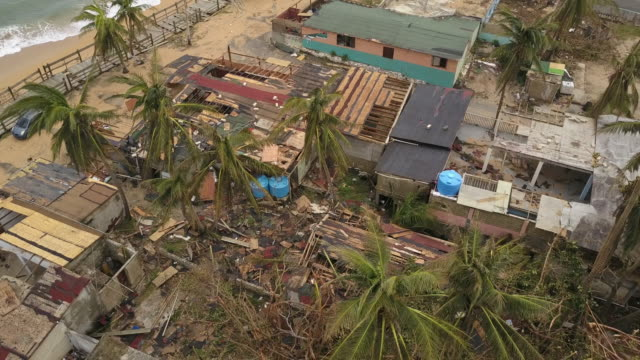 vídeos de stock, filmes e b-roll de wpix drone pov devastation in puerto rico following hurricane maria - porto riquenho