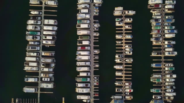 drone downward footage of marina at wahweap bay, lake powell arizona - lake powell stock videos & royalty-free footage
