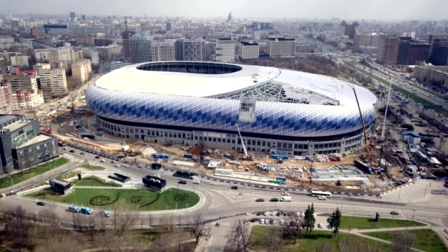 vidéos et rushes de a drone flies away from dinamo stadium during restoration for the 2018 football world championship in moscow russia - fédération de russie
