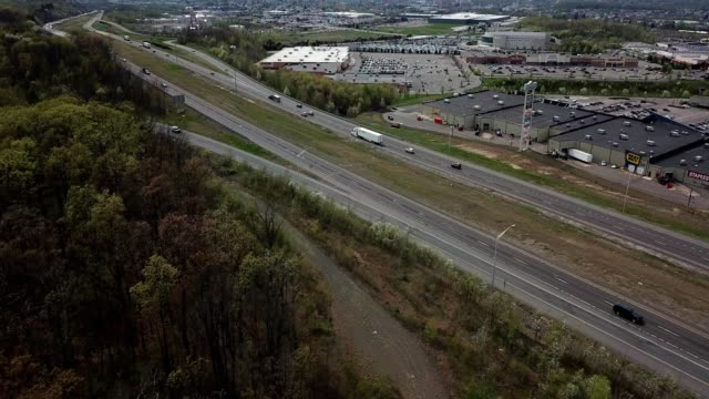 a drone flies towards highway 81 in wilkes-barre township pennsylvania - wilkes barre stock videos & royalty-free footage