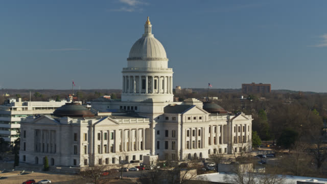 drone flight around arkansas state capitol - state capitol building stock videos & royalty-free footage