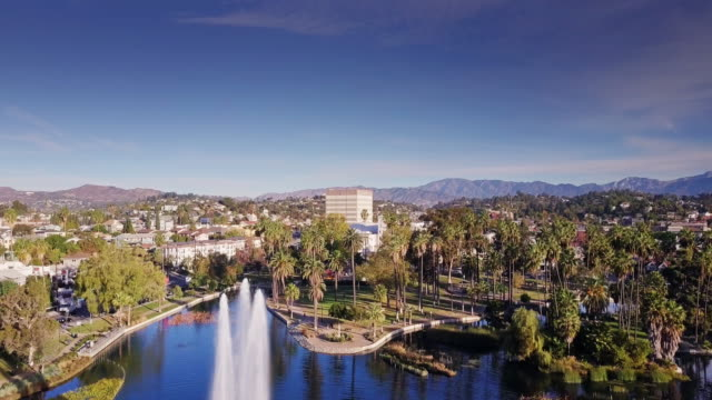 Drone Flight Climbing Over Echo Park Lake Fountain