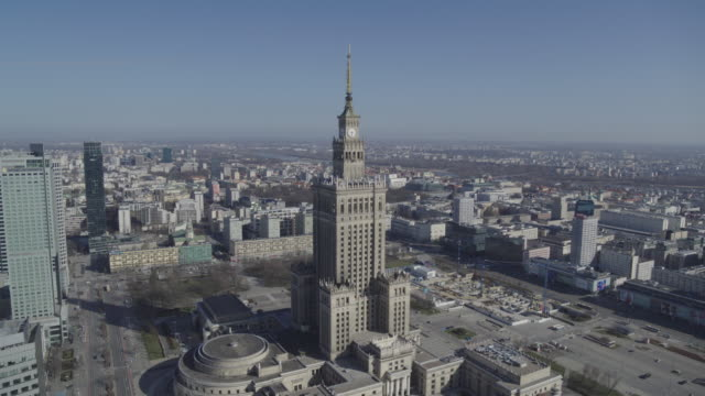 drone flight of the deserted palace of culture and science in downtown warsaw from different angles during the corona shutdown 2020 - warsaw stock videos & royalty-free footage