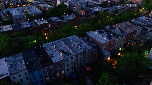 drone flight over brooklyn at night - brooklyn new york stock videos & royalty-free footage