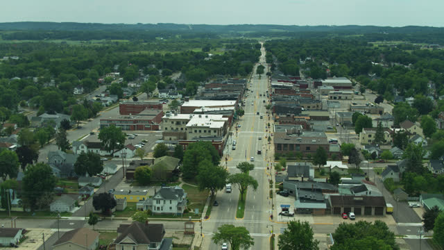 drone flight over main street in tomah, wisconsin - street name sign stock videos & royalty-free footage