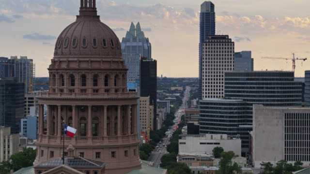 drone flight past the texas state capitol building - texas state capitol building stock videos & royalty-free footage
