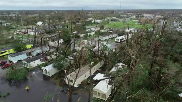 vídeos y material grabado en eventos de stock de drone footage of damage from hurricane michael in panama city beach, florida on october 10, 2018. - environment or natural disaster or climate change or earthquake or hurricane or extreme weather or oil spill or volcano or tornado or flooding