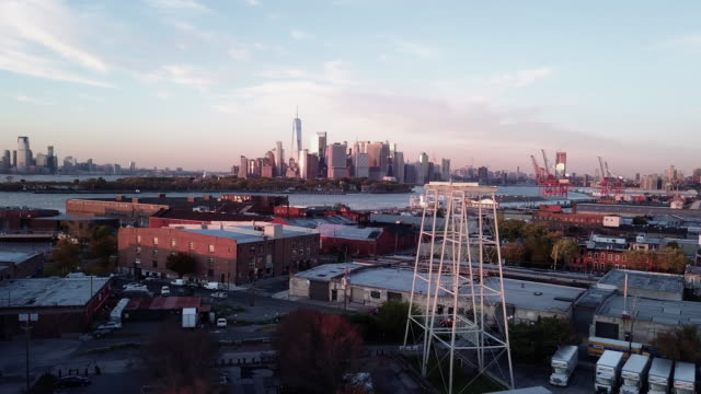 drone footage of new york city and red hook brooklyn at sunset. - brooklyn new york stock videos & royalty-free footage