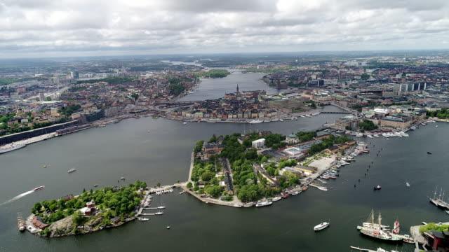 stockvideo's en b-roll-footage met drone footage of stockholm - stockholm