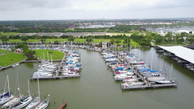 kiah drone pov kemah boardwalk marina - boardwalk stock videos & royalty-free footage
