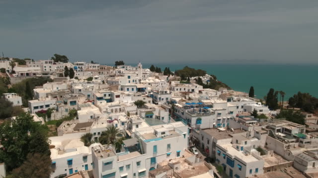 drone main street, tunis, mosque - tunisia stock videos & royalty-free footage