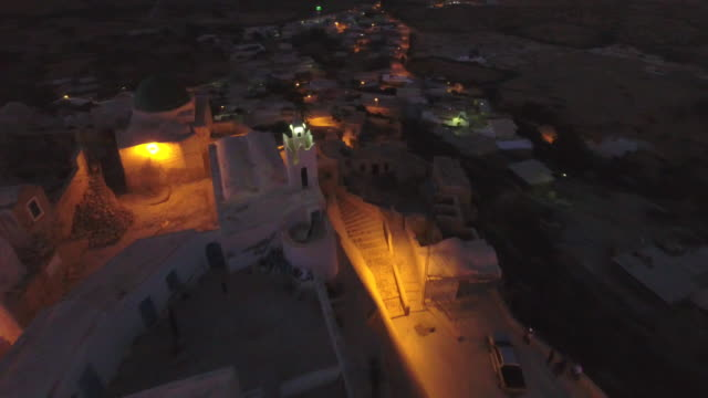 drone, nightfalls, desert, tunis, north africa, berber village - tunisia video stock e b–roll