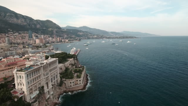 vidéos et rushes de drone, over monaco city harbor and bay. - bay of water