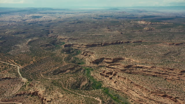 drone over the colorado plateau, near canyonlands, utah - colorado plateau stock videos & royalty-free footage